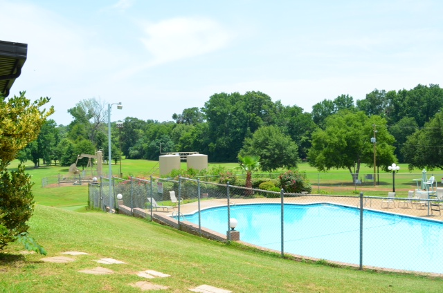 Next time, we'll bring the swim suits while our golfers are on the course. My little sister was lifeguard at this very pool,a long time ago!